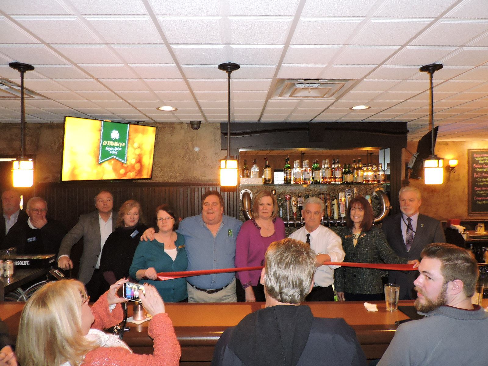 O'Malley's Ribbon Cutting